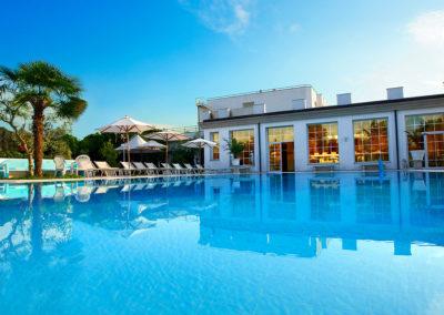 Hotel Pool 3